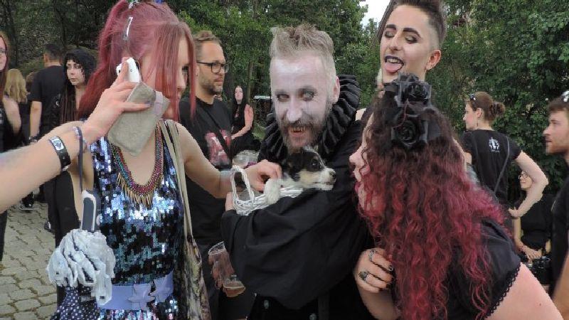 Impreza w stylu gotyckim